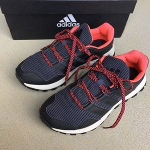 LIKE NEW Adidas navy / black / neon pink sneakers